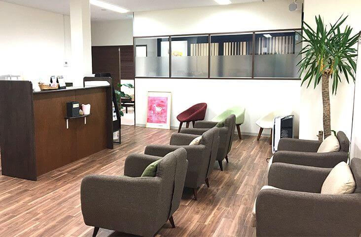 大西メディカルクリニック ミセルクリニック加古川院の待合室